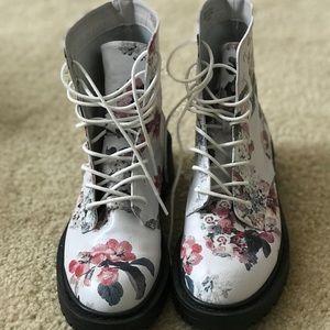 Multi-color/vintage floral boots